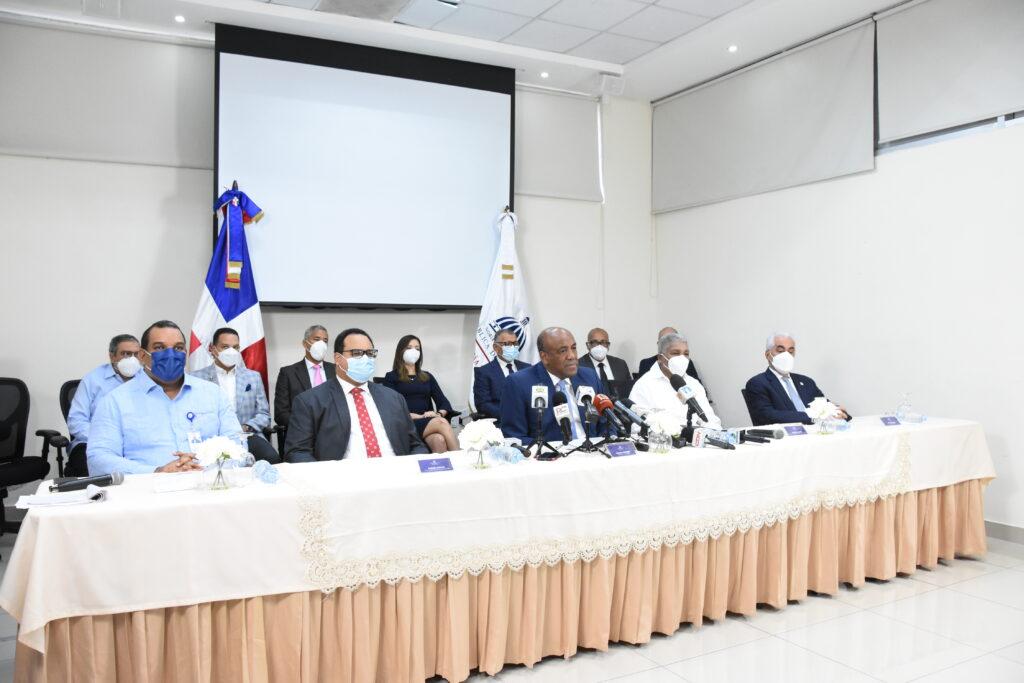 Autoridades del sector eléctrico nacional durante rueda de prensa Ministerio de Energía y Minas